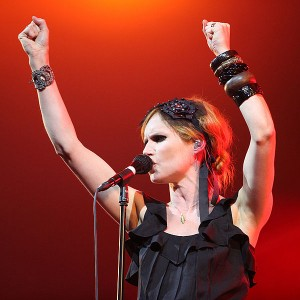 Nina Persson auf dem Stockholm Pride Festival 2009. (Bild: Nyman/Wikipedia)